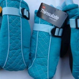 Thinsulate Insulation mittens NWT 2 pairs